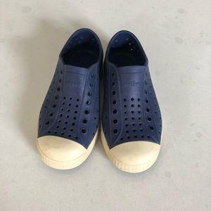 Native kids shoes, size 11
